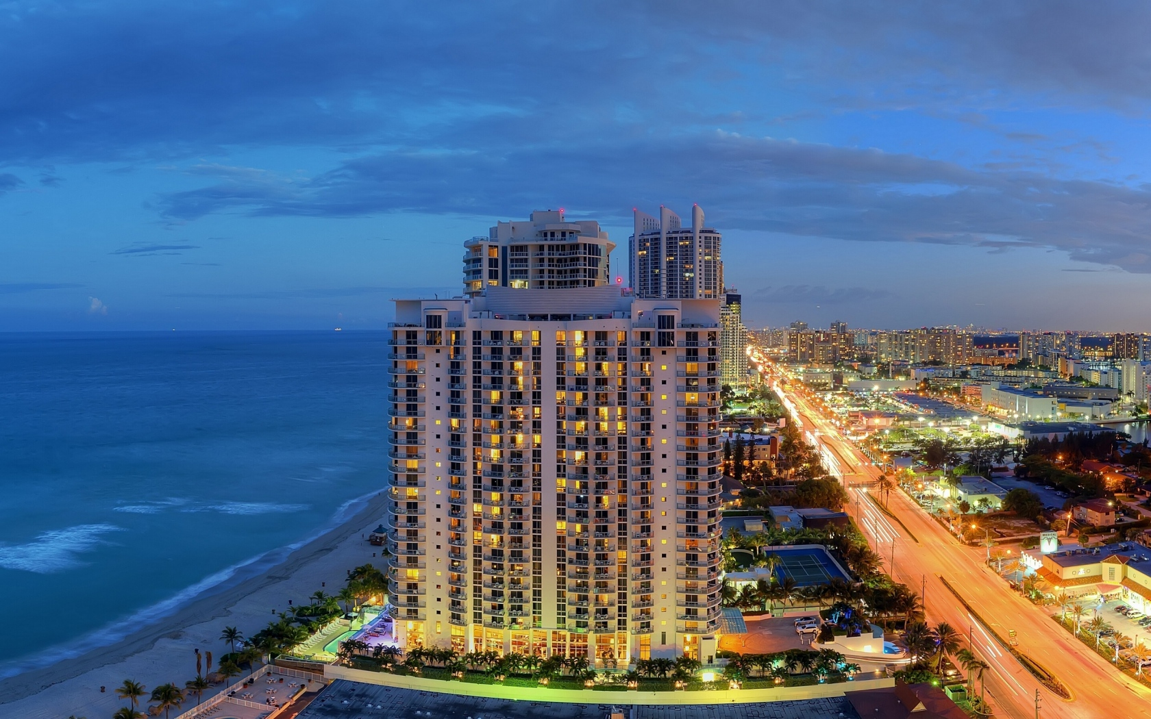 hotels-and-property-buildings-in-isles-beach-miami-florida